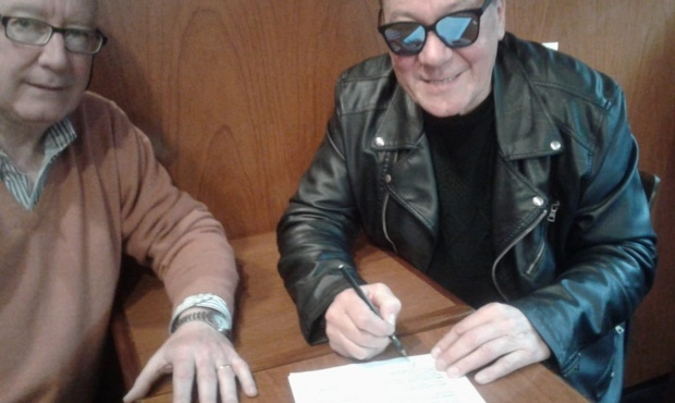 20190930093835_jorge_gallo_firmando